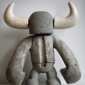 Hoorns | Hoogte: 31 cm | gegoten beton met aluminium cement en keramiek | Oplage: 8 + 2AE | Sander Buijk | Gallery Untitled
