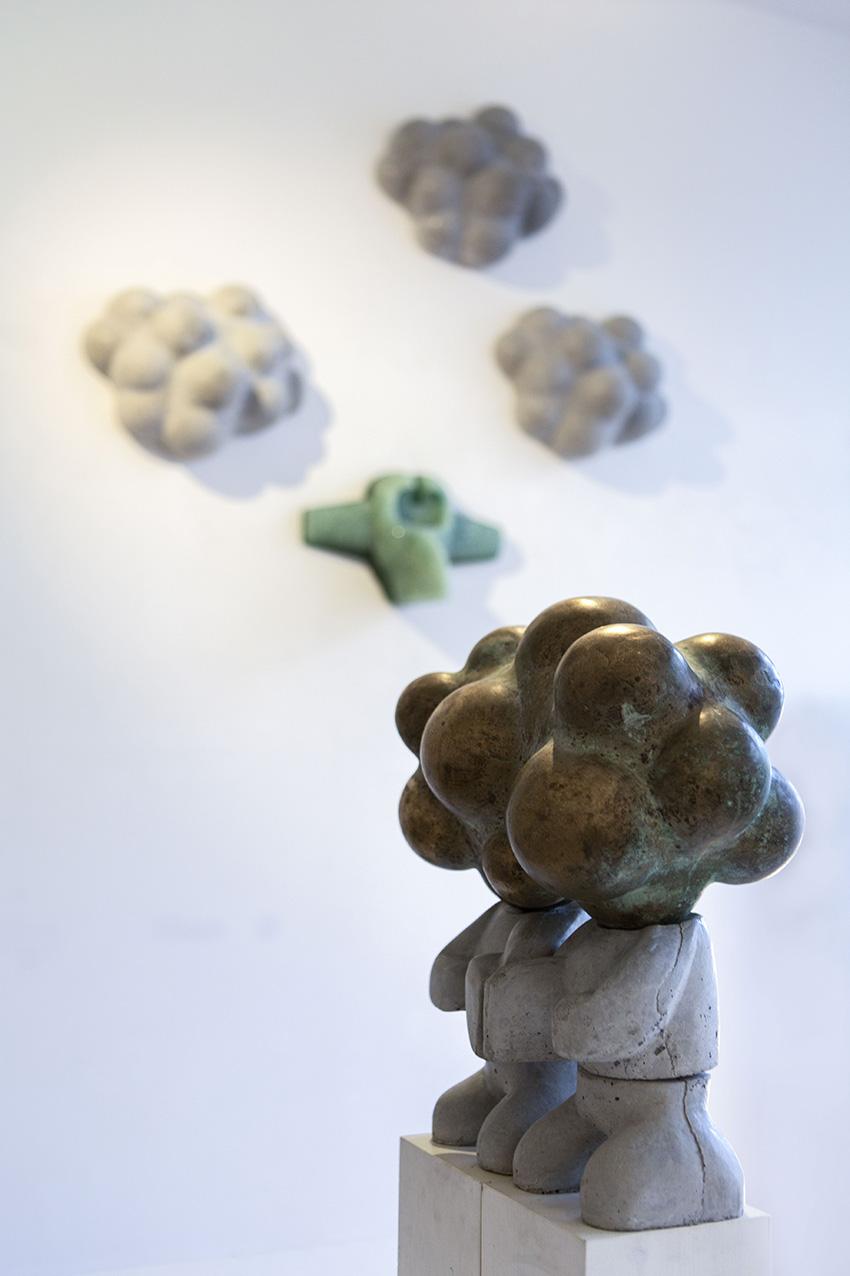 Geschakeld IV | Hoogte: 44 cm | Gegoten beton en brons | Oplage: 8 + 2 AE | Sander Buijk | Gallery Untitled