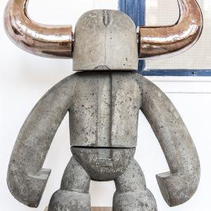 Torero | Hoogte: 90 cm, breedte: 75 cm | Beton en keramiek of aluminium cement met goud keramiek | Oplage: 8+2AE | Sander Buijk | Gallery Untitled