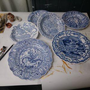 Le Blue de Caraque (serie borden) | Origineel | Diameter 23 / 28 cm | Keramiek | Pepijn van den Nieuwendijk | Gallery Untitled