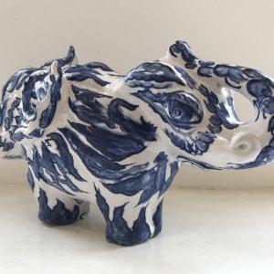 Monsterlijke olifant met dubbele kop | Origineel | 25 x 12 x 15 cm | Keramiek | Pepijn van den Nieuwendijk | Gallery Untitled