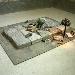 Het ontwaken van de muis (2008) | Keramiek installatie | Pepijn van den Nieuwendijk | Galerie Untitled | In collectie van FLICAM | Gallery Untitled
