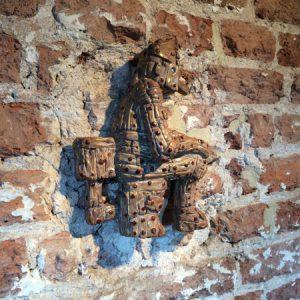 Woodman wandreliëf | Origineel | Hoogte 20 cm | Keramiek | Pepijn van den Nieuwendijk