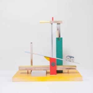 Fair Composition, 2017 | Oplage 1/1 | 30 x 19 x 29 cm | div. soorten hout/multiplex | lak (water/terp.), kunststof | Floris Hovers | Gallery Untitled